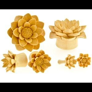 Urbanstar Wood Flower/lotus Plugs 1/2in